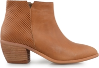 LISS-COCONUT-ankle-boots-Traffic Footwear