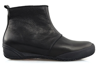 ORLY-BLACK-boots-Traffic Footwear